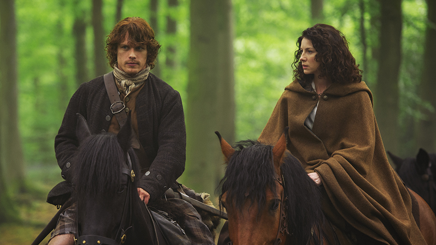"""Sam Heughan and Caitroina Balfe, """"Jamie Fraser"""" and """"Claire Fraser"""""""