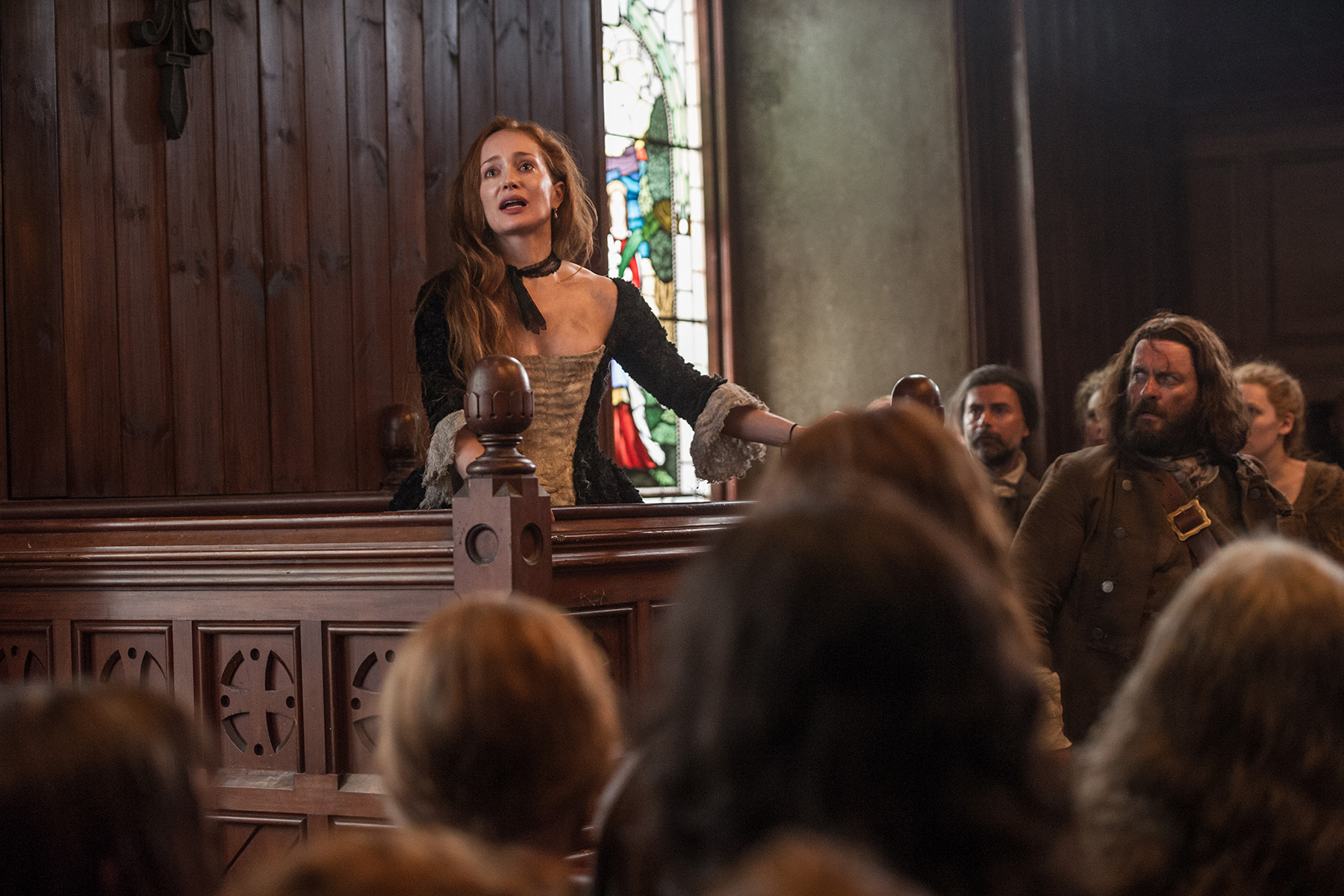 "Previews and official photos of 'Outlander' Episode 111 ""The Devil's Mark"""