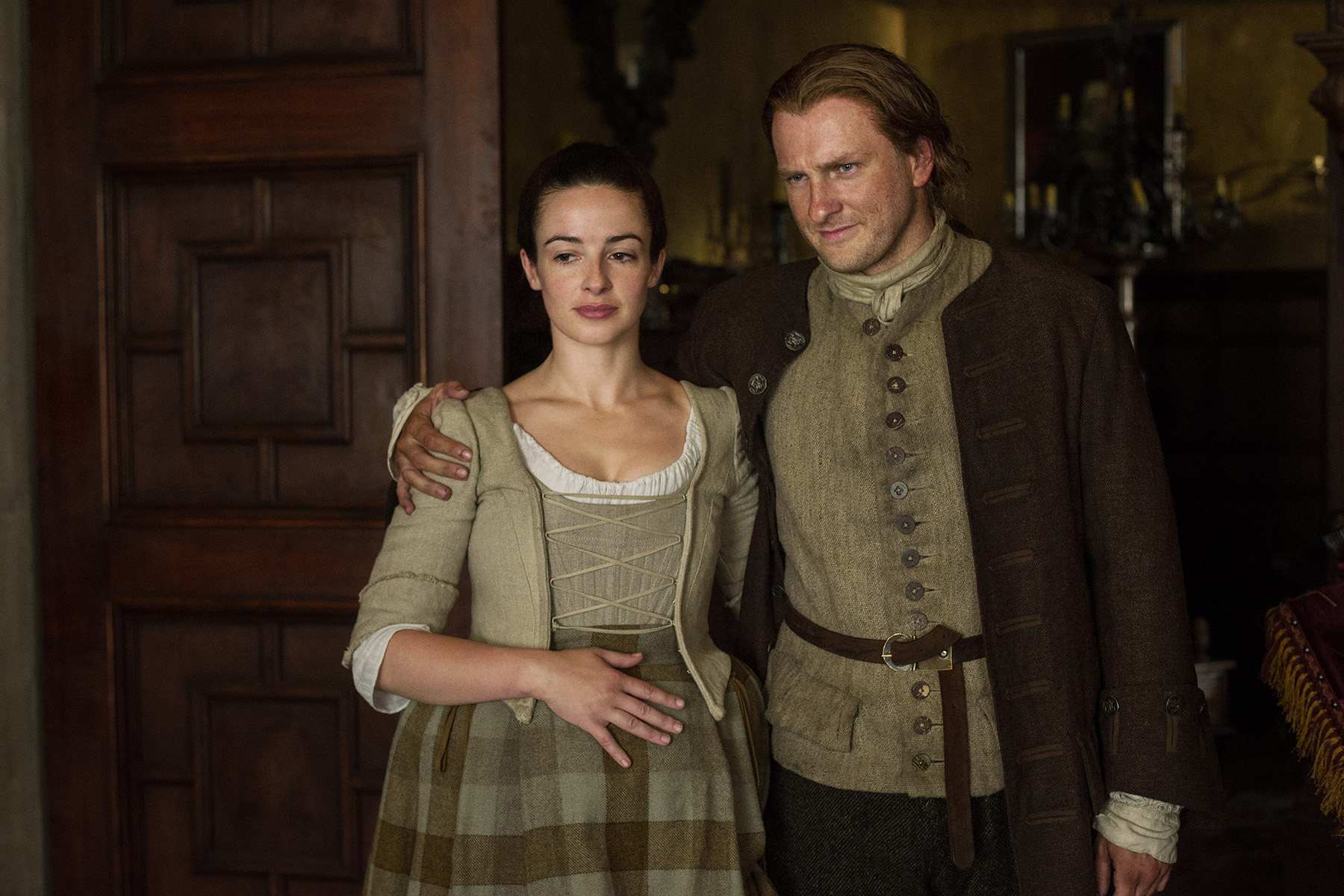 Laura Donnelly (Jenny Fraser Murray) and Steven Cree (Ian Murray)