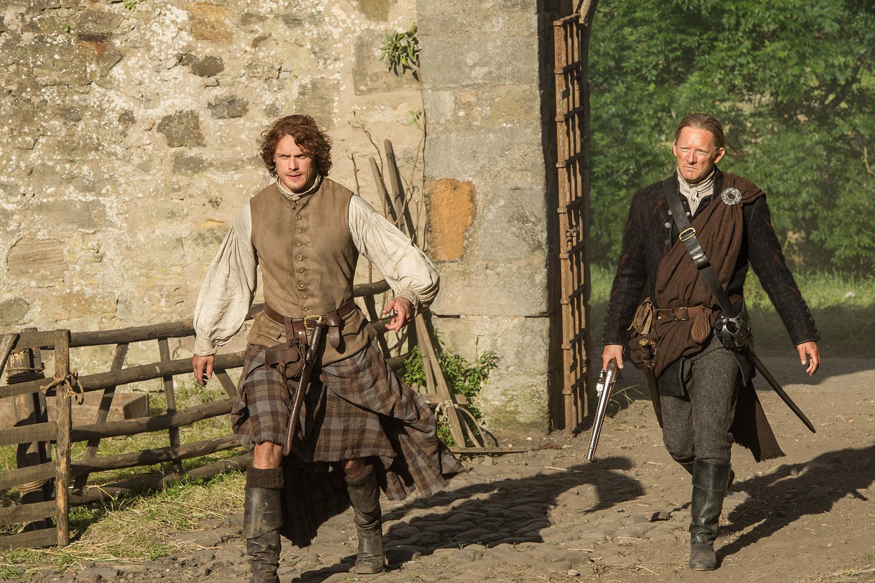Sam Heughan (Jamie Fraser) and Douglas Henshall (Taran MacQuarrie)