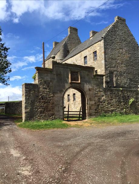 Midhope Castle (Lallybroch)