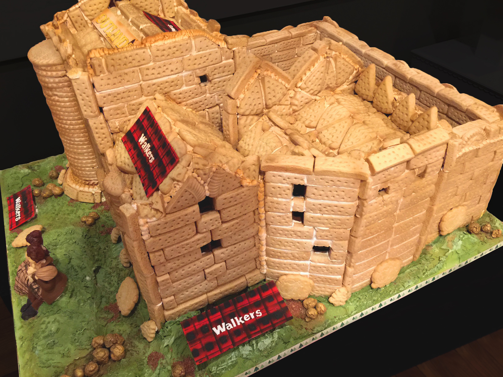 Walkers-Outlander-Shortbread-Castle