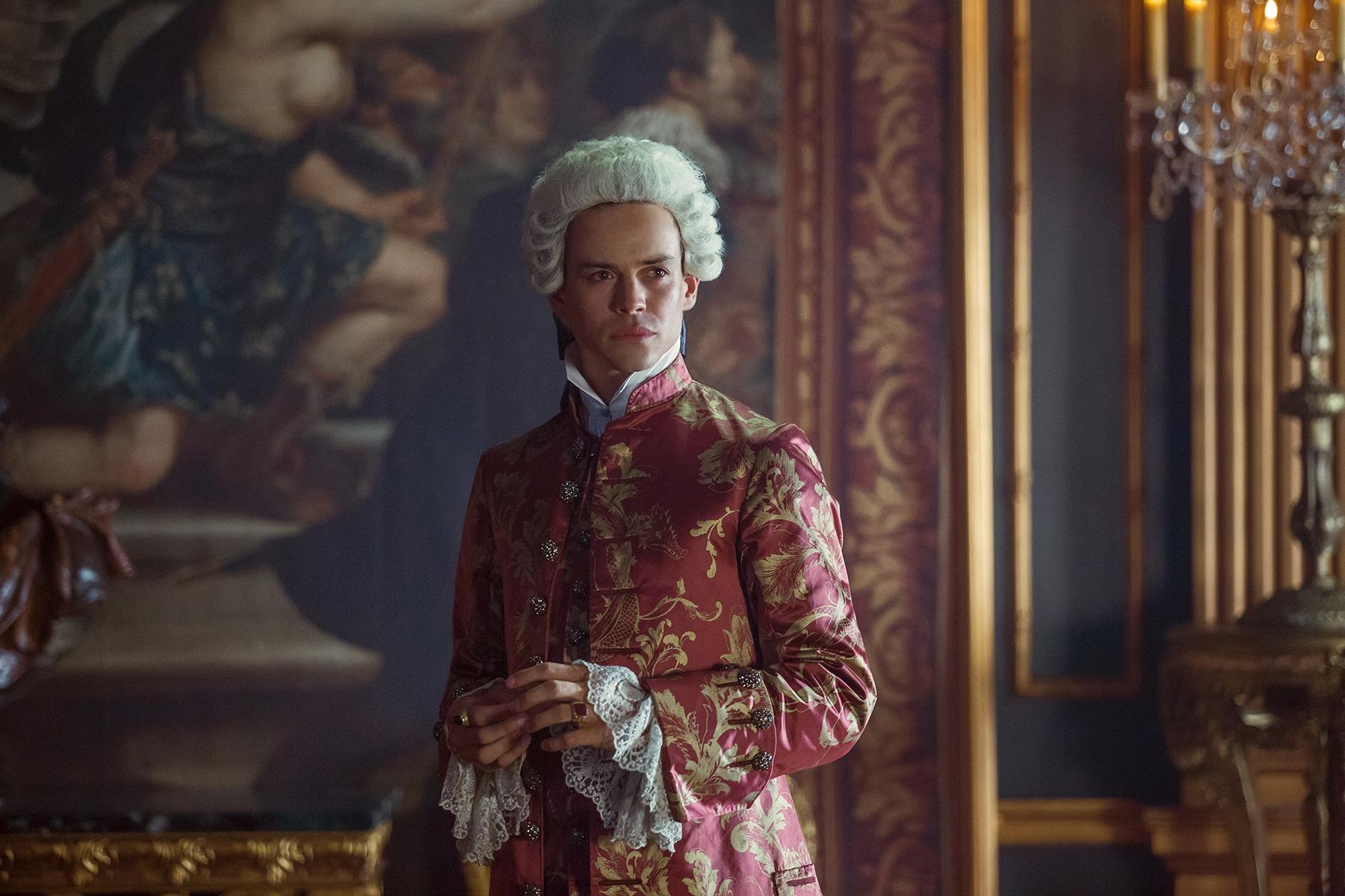 Lionel Lingelser (King Louis XV)