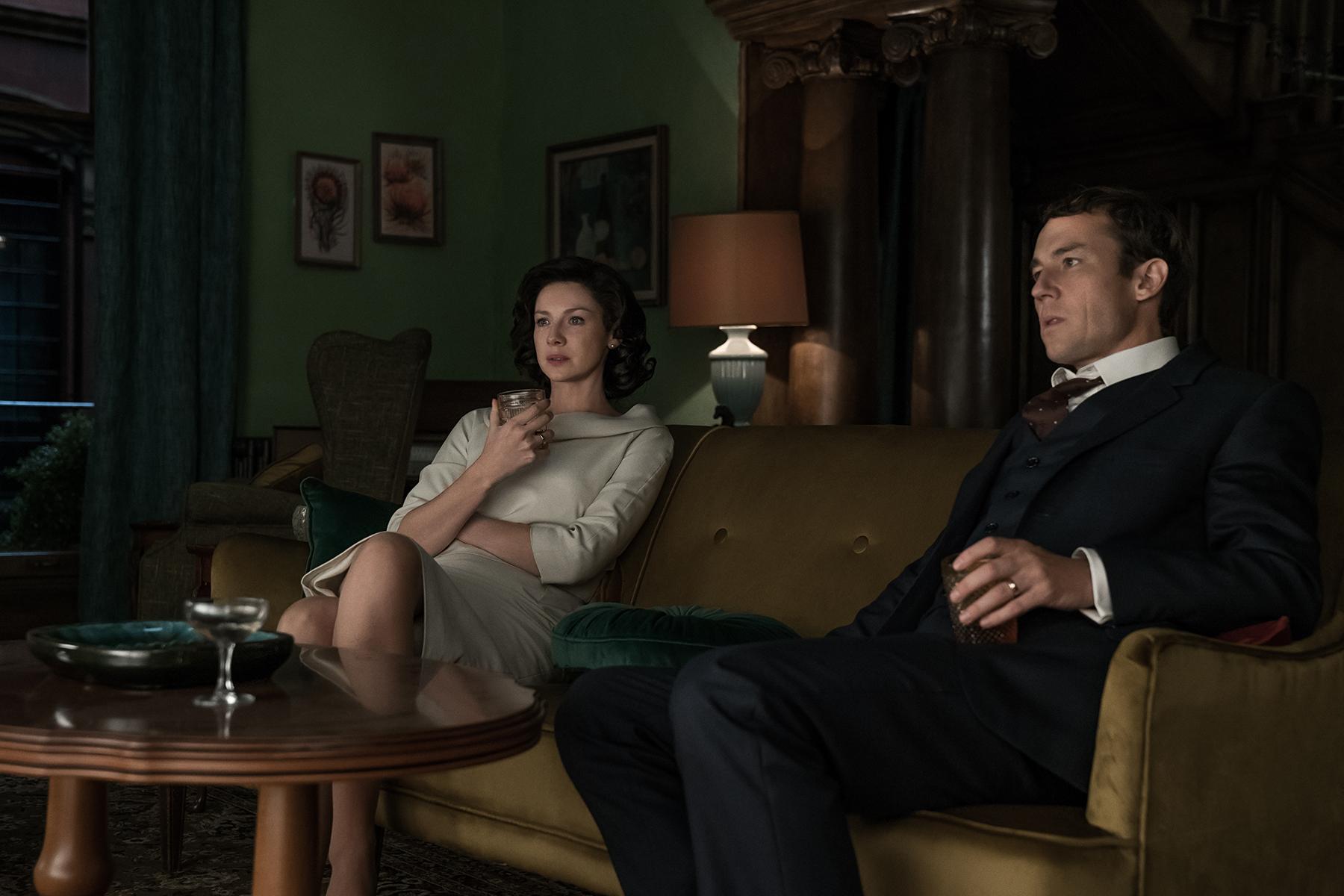 Caitriona Balfe (Claire Randall) and Tobias Menzies (Frank Randall)